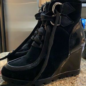 Guess sneaker wedges with fur lining